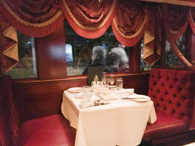 トラムカーレストランの内装