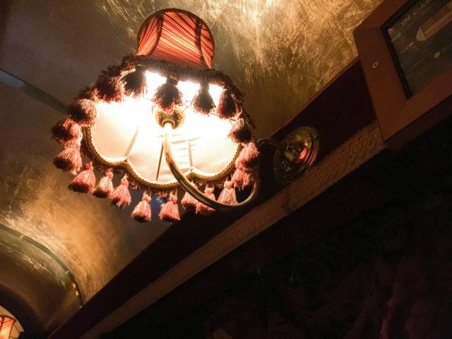 トラムカーレストランのランプ