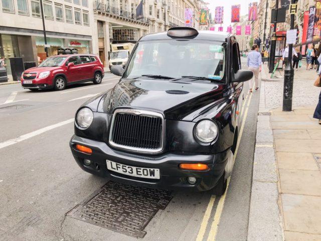 イギリスのタクシー_ロンドンタクシー