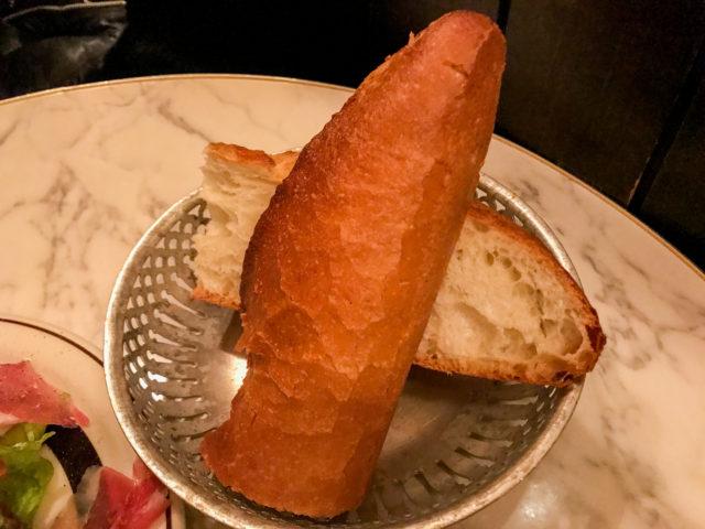 オンズのオードブル_フランスパン