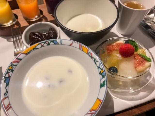 北野ホテルの朝食オートミール